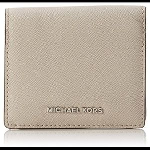 NWT Michael Kors Jet Set Carryall Wallet - Cement